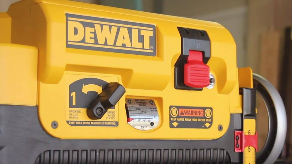 Dewalt DW734 vs. DW735 vs. DW735X Planers: Which is Better?