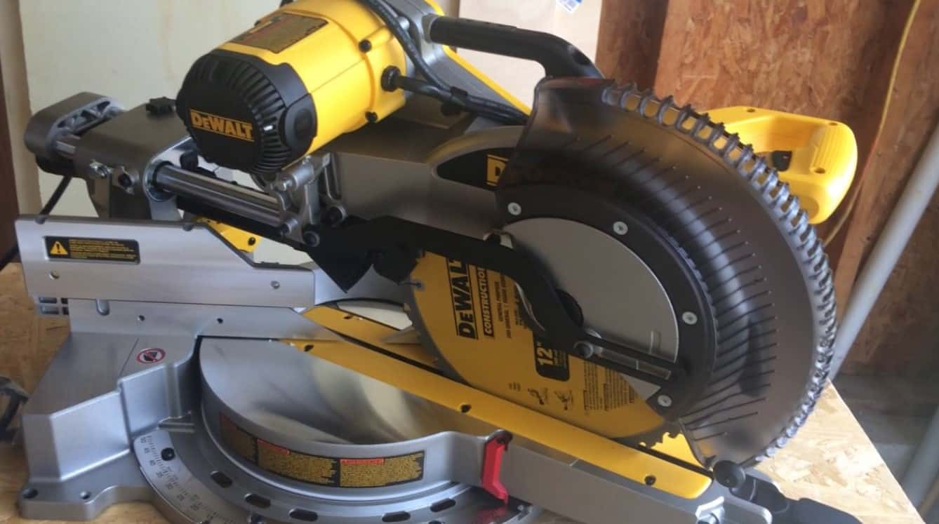 "DEWALT DWS779 12"" Sliding Compound Miter Saw Review - Tool Dizer"